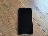 ONEPLUS ONE 64GB Sandstone Black Incredible Condition works like new UNLOCKED