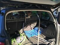 Travall Dog Guard For Zafira Tourer