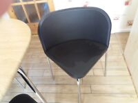 Space saving table and chairs hardly ever used in very good condition