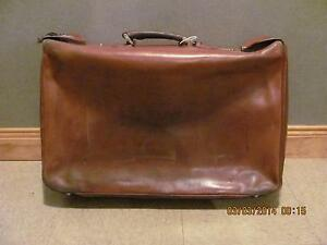 Vintage leather suitcase 20 x 15 x 6 inches with key,$28