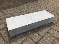 13 Thermalite blocks (620x215x100)