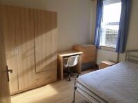 Bed in the room to share with young professional guy.5-6 mint Bethnal Green,Whitechapel,Shoreditch