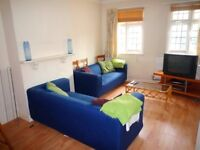 Fantastic 3 Double Bedrooms Maisonette Flat near to Acton Town Tube