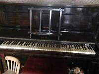 Mahogany Drake Piano