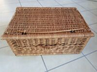 Wicker picnic basket never used