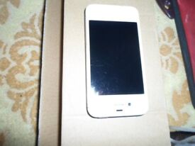 Apple iPhone 4s - 16GB- Colour White ***Network Unlocked ****Faulty WiFi & Bluetooth