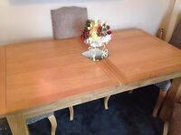 EXTENDING OAK DINING TABLE - SEATS UP TO 8