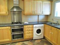 3 bedroom flat in Belle Vue Estate, Hendon, NW4