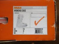 Ladies white snow boarding boots UK size 7 - worn once