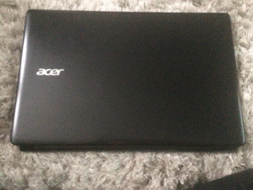 Acer aspire E1 series *cracked*