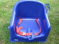 CHILD/TODDLER BOOSTER SEAT/HIGH CHAIR - BLUE PLASTIC WITH STRAPS WIPEABLE