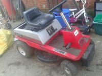 RIDE ON PETROL LAWNMOWER, CAN DELIVER, PEFECT WORKING ORDER WITH GRASSBOX