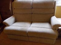Nice 2 seater settee/sofa.