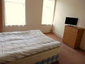 LARGE DOUBLE ROOM TO NEXT TO THE STATION E12,MANOR PARK £500pcm