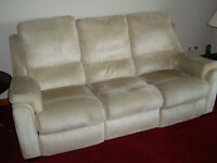 3 piece recliner loung suite comprising 3 seat settee, 2 seat settee and armchair.