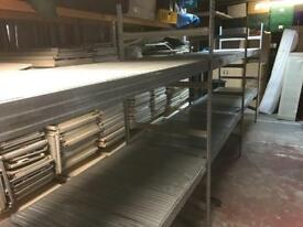 Lightweight retail commercial shelving