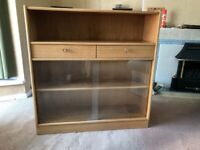 Display cabinet-glass front