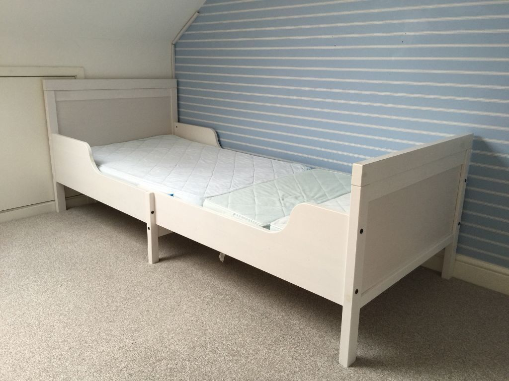 ikea sundvik ext bed frame with slatted bed base white in farnborough hampshire gumtree. Black Bedroom Furniture Sets. Home Design Ideas