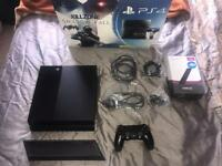 PlayStation 4 500GB original with stand and accessories