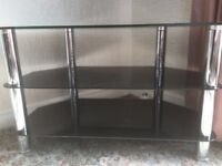 Corner TV stand in Black glass and chrome and matching corner table