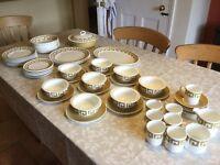 Wedgewood Susie Cooper Keystone bone china dinner service in Old Gold
