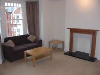 3 double bedroom flat in furzedown, with own private balcony - must see