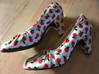 Size 6 rocket dog heels, cherry print 1950s style new
