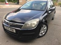 05 plate - vauxhall astra 1.6 petrol - 6 months mot- full service history - low 79 K on the clock