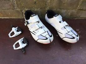 Bicycle Shimano shoes and pedals 44 size 10 uk
