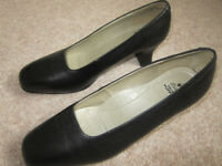 """Hush Puppies Black size 7 - 2.1/4"""" heel - worn for short time INDOORS so IMMACULATE"""