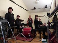 Ceilidh Band available for weddings, parties, celebrations & functions.