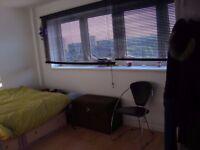 1 double bedroom in 3 bedroom apartment in city center all bills inc