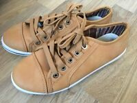 Ugg Australia Chestnut Nubuck Leather Size 5 Trainers/boots worn twice and immaculate