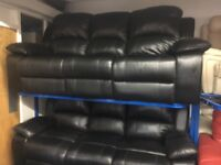 NEW / EX DISPLAY LAZYBOY VISTER BLACK LEATHER 3 + 3 SEATER RECLINER SOFAS 70% Off RRP