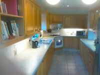 Used Fitted KITCHEN including several appliances, FREE LOCAL DELIVERY! Now reduced by £200!