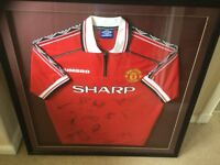 Framed & Signed Manchester United Football shirt