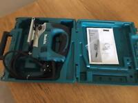 MAKITA JV0600 Top handle jigsaw, with tool case, blade & wrench NEW & UNUSED 240V 4 cut settings