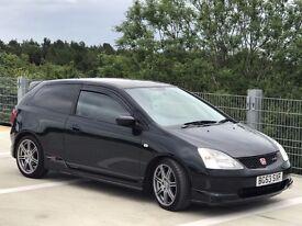 Black Honda CIVIC Type R, very good condition