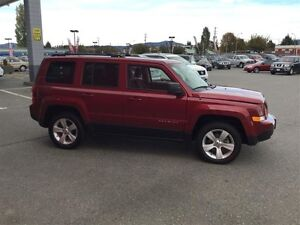 2014 Jeep Patriot 4x4 Sport / North No Accidents ! Clean *SUV* ! Comox / Courtenay / Cumberland Comox Valley Area image 3
