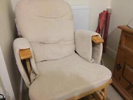 Gliding nursing chair
