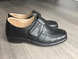 Work shoes size 5