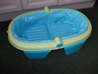 Fold up baby bath very good condition