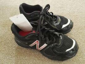 Brand NEW New Balance kids shoes SIZE 1