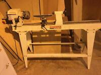 Axminster APTC M950 lathe with chiesels