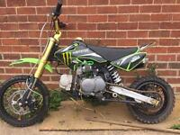 2017 moto madness pitbike 125cc NEED SOLD