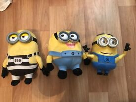 Bundle of minions Toys