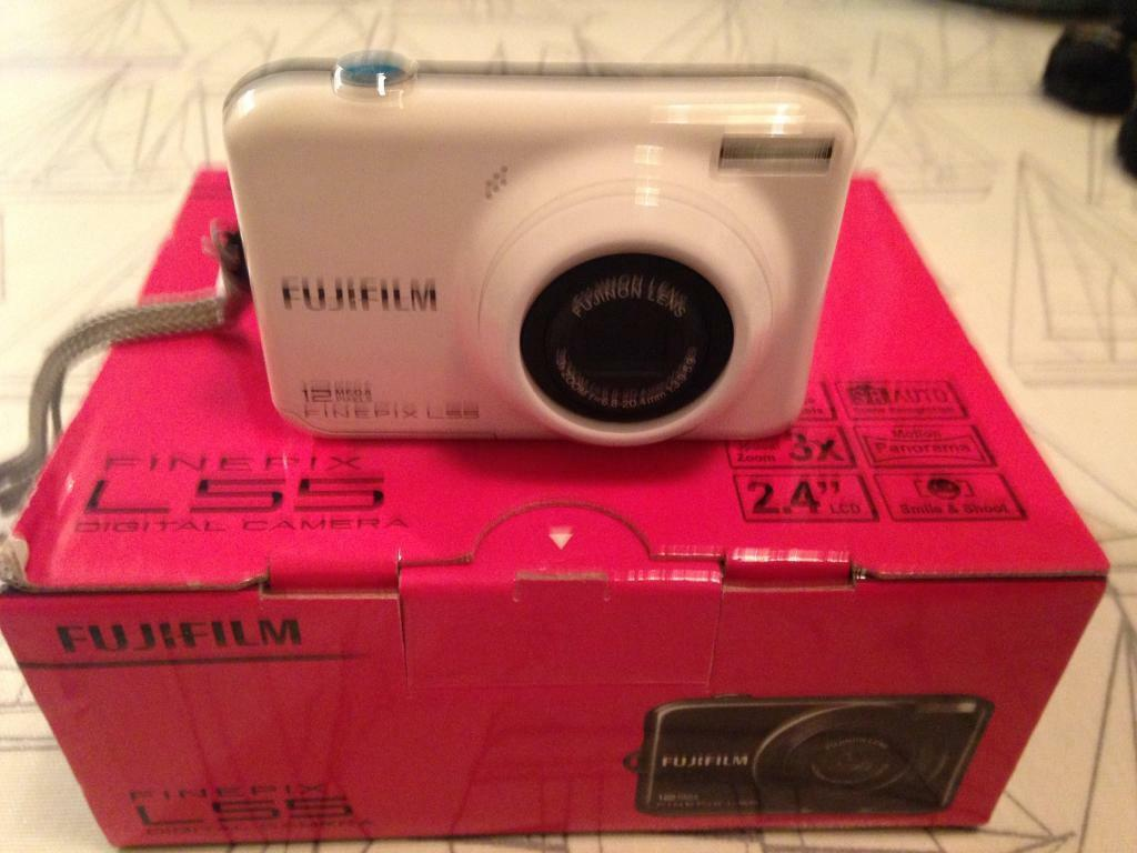 Fujifilm FinePix L55 Digital Camera - White