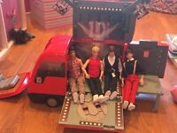 One direction van and characters