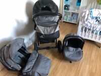 Grey Vencii travel system