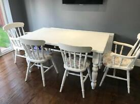 Lovely solid OAK shabby chic dining table